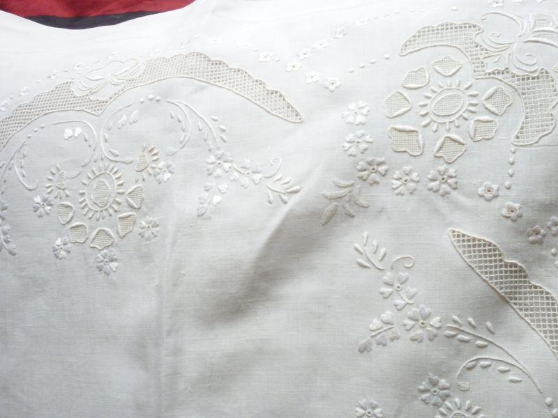ricami per lenzuola matrimoniali