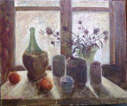 Nat. M.- Cose davanti a una finestra con i vetri sporchi