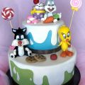 Looney Tunes candy cake